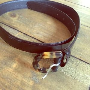 Ann Taylor leather belt with tortoise look buckle